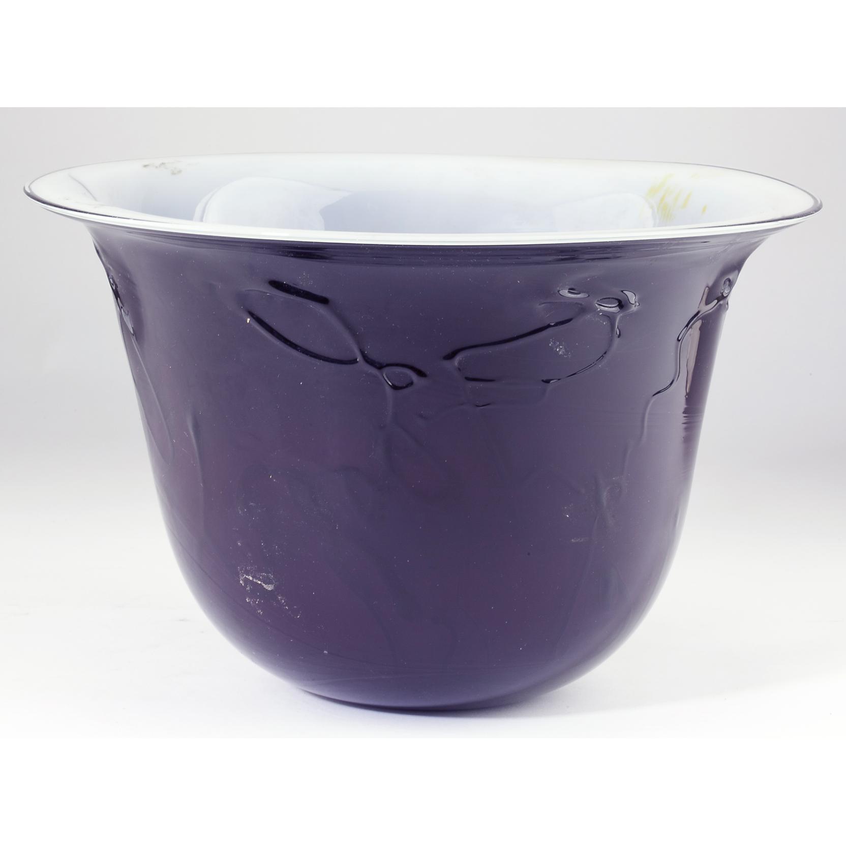 kent-ipsen-va-blown-glass-flared-rim-bowl