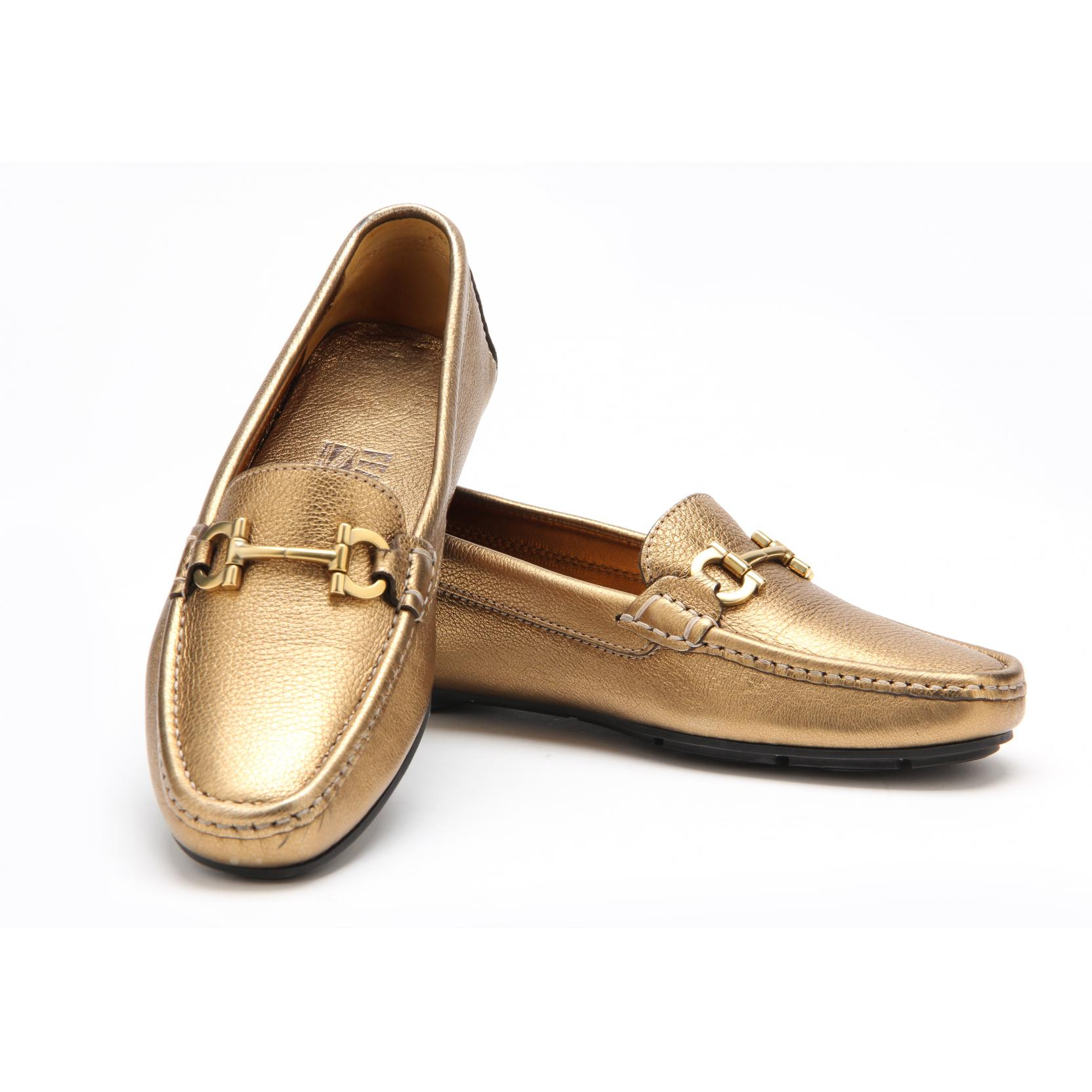 strapped-soft-ladies-loafers-ferragamo