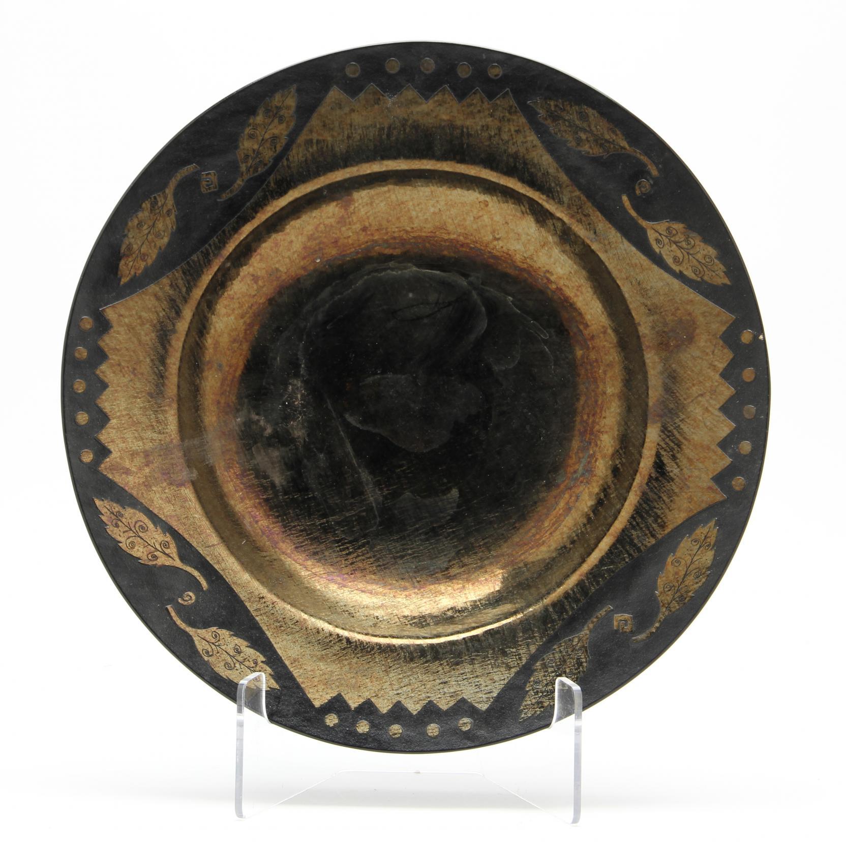 lynn-latimer-easthampton-ma-fused-art-glass-center-bowl
