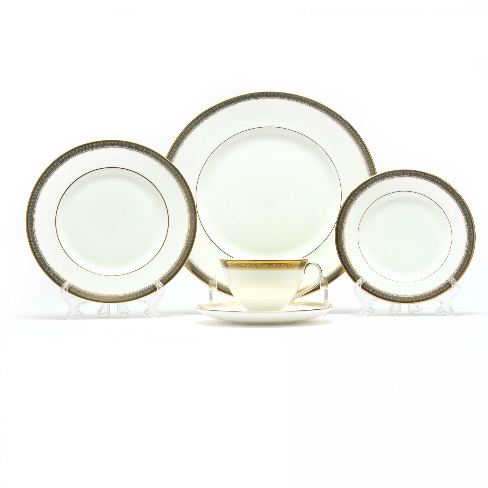 royal-doulton-clarendon-china-set
