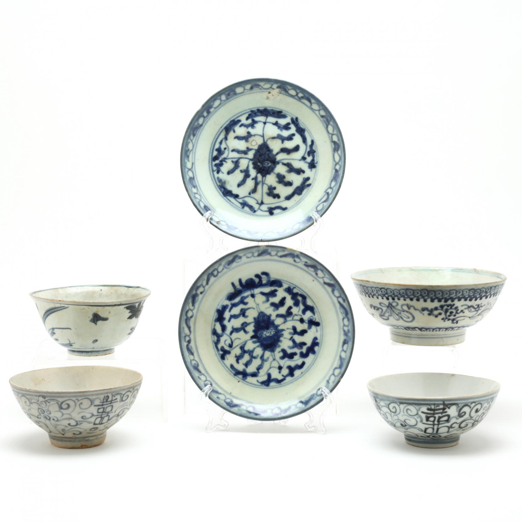 a-group-of-ming-dynasty-blue-and-white-shipwreck-ceramics