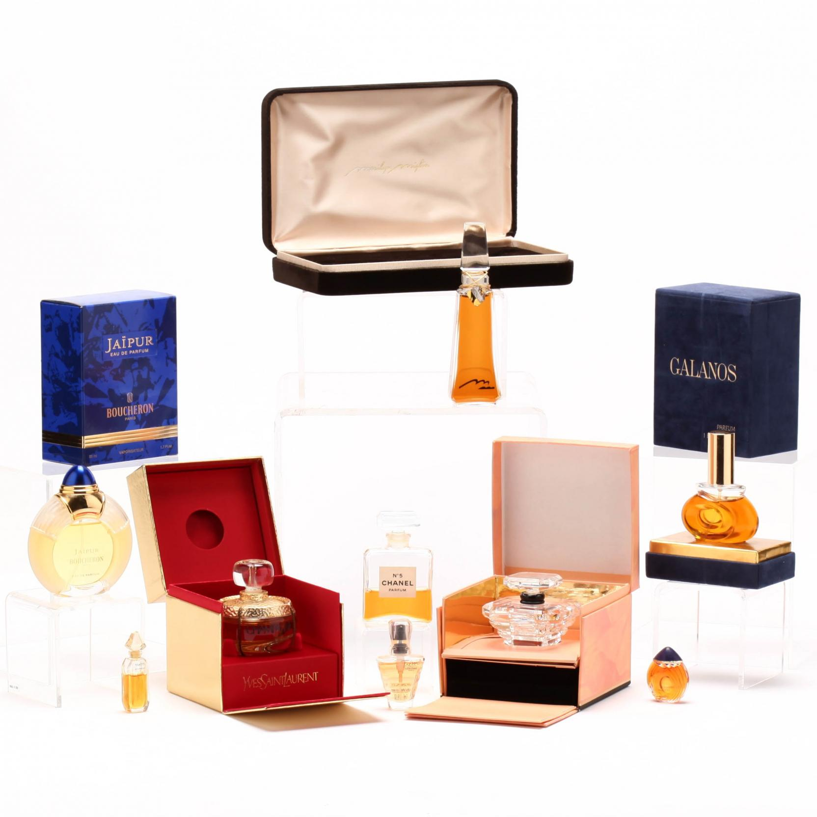 group-of-french-parfums