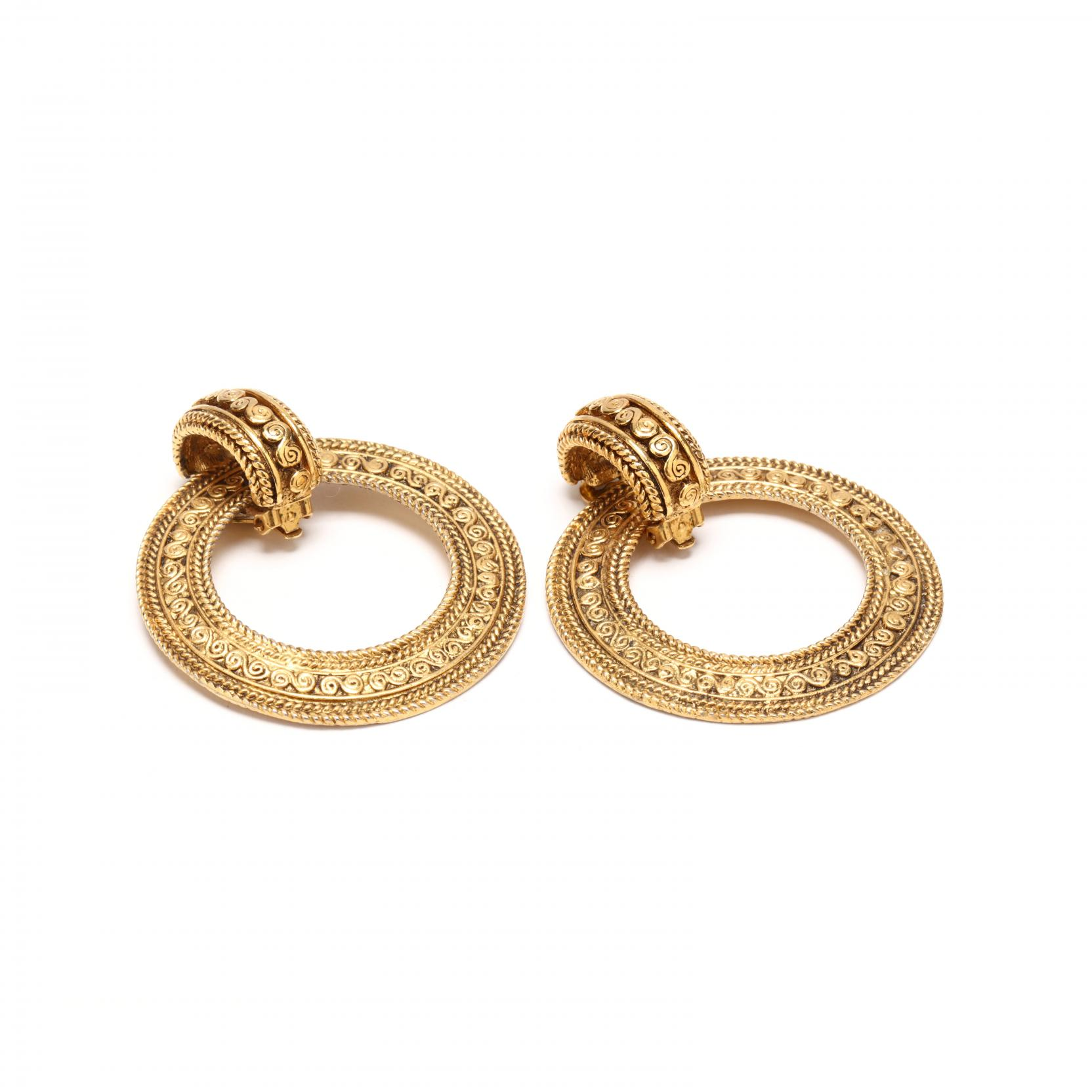 pair-of-hoop-earclips-chanel