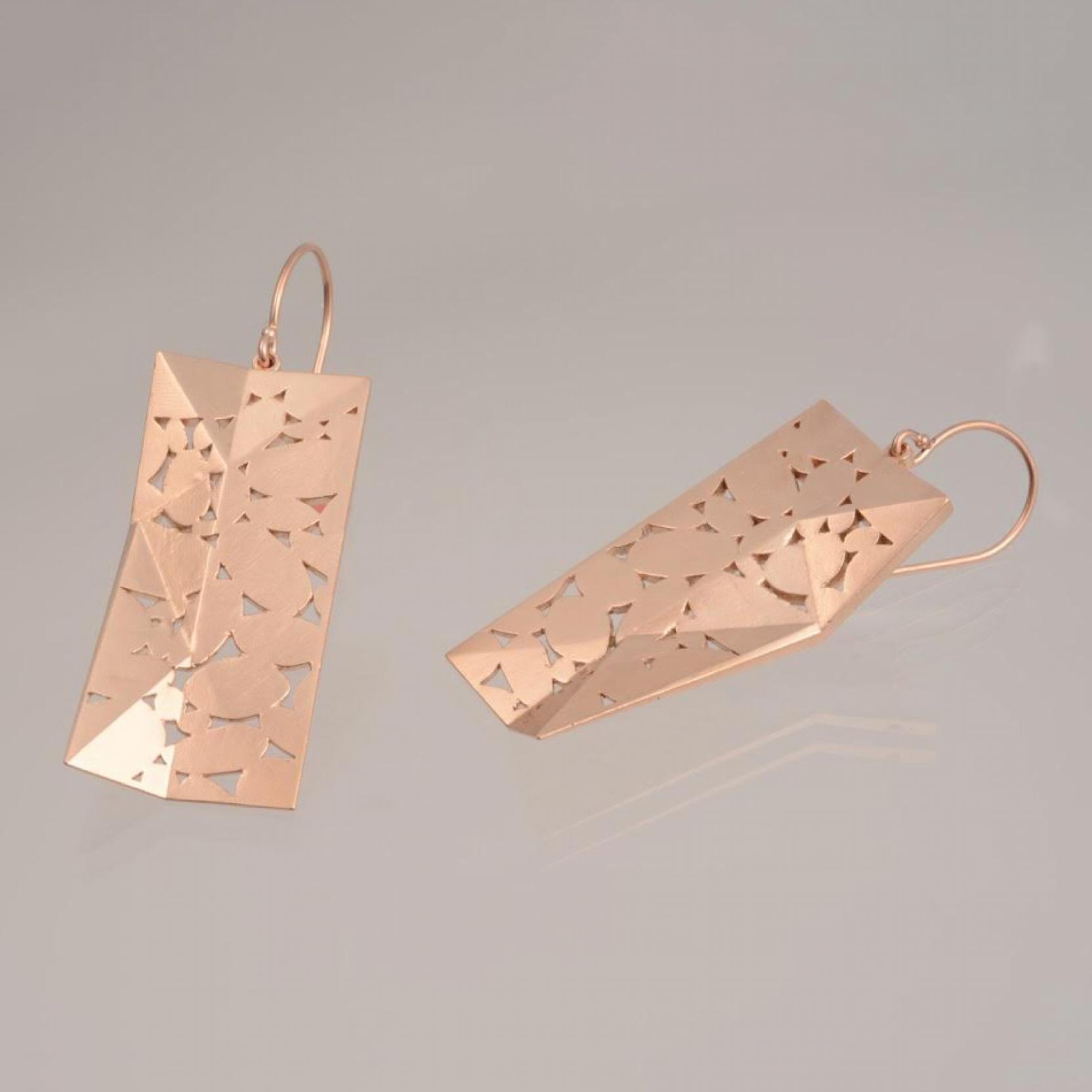 roofline-rose-gold-earrings-extraordinaire-by-atelier-n