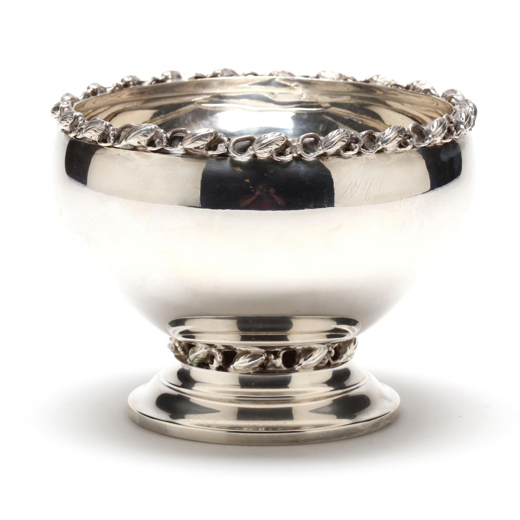 a-sterling-silver-bowl-in-the-jensen-style