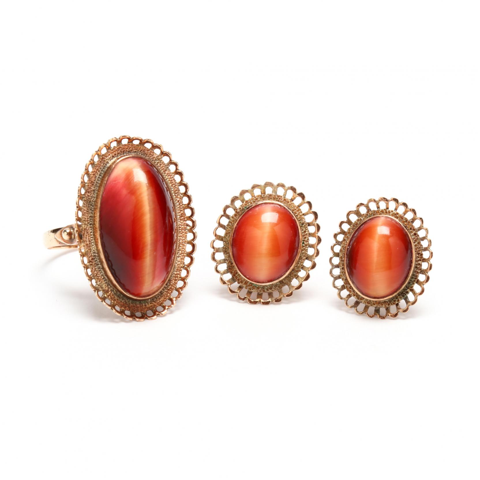 18kt-gold-and-chatoyant-agate-earrings-and-ring