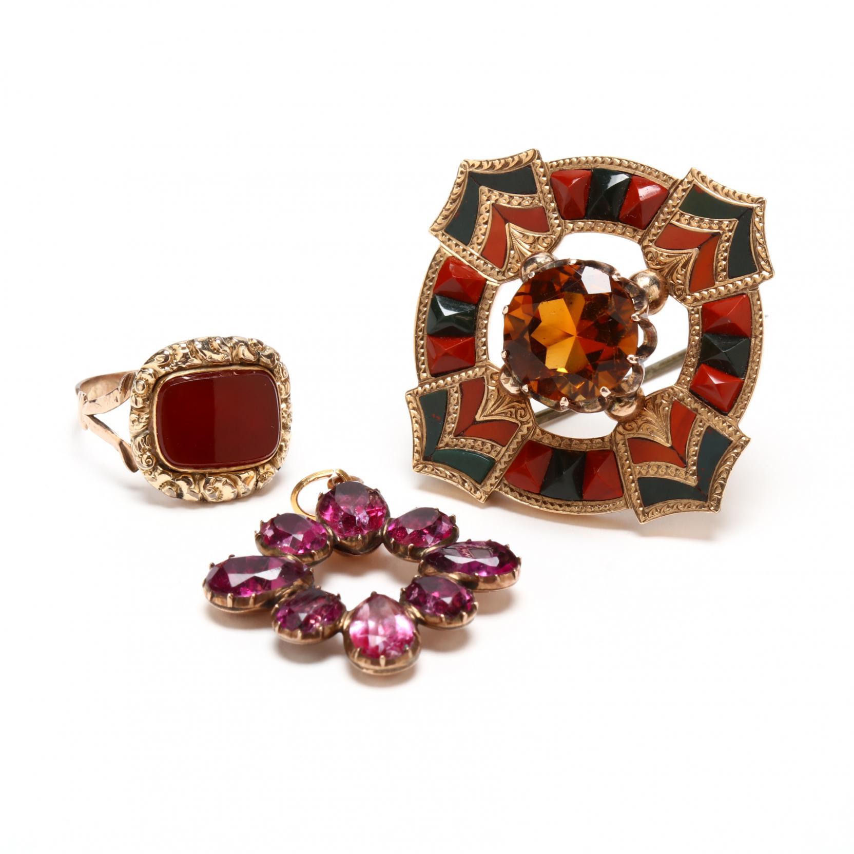 three-pieces-antique-jewelry