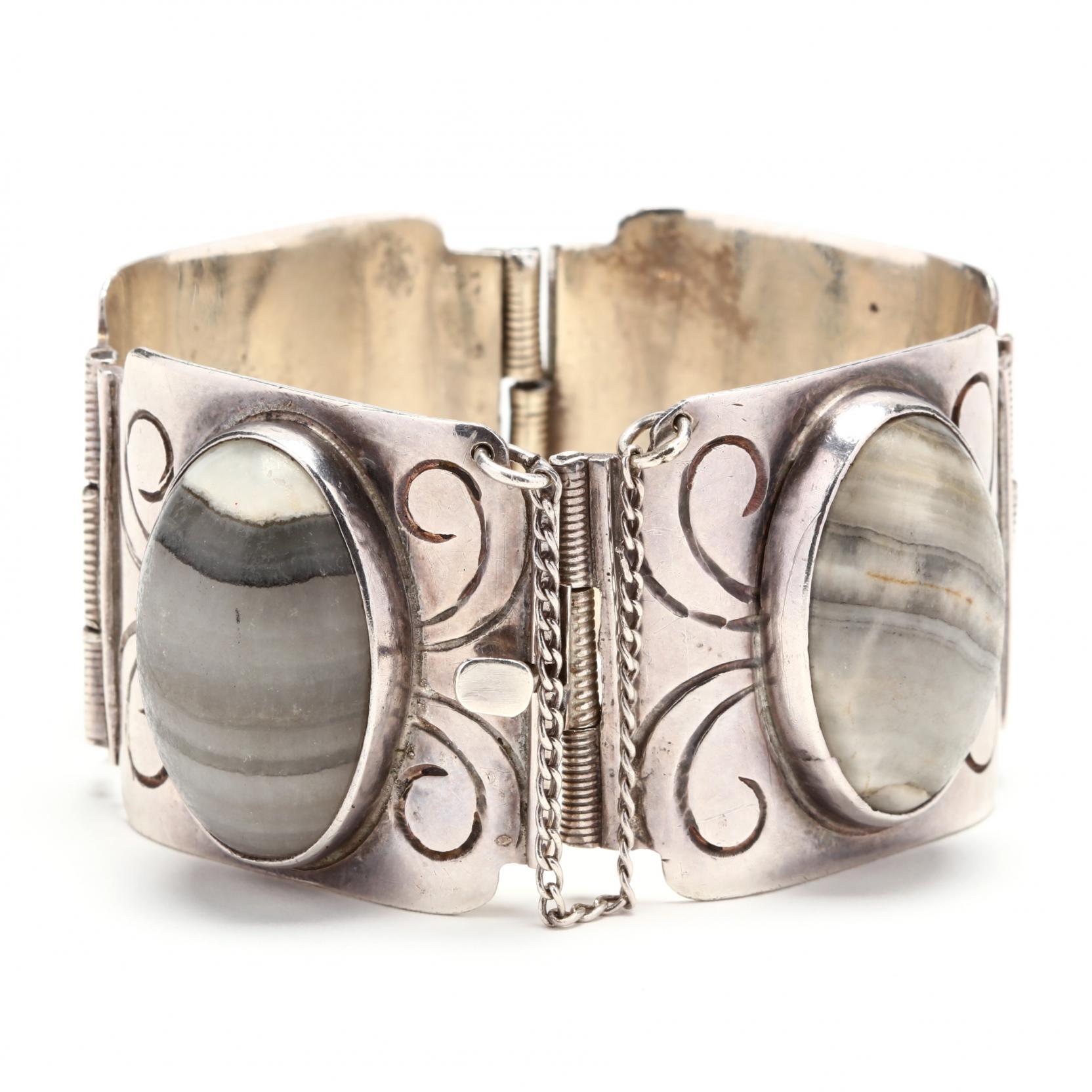 silver-agate-bracelet