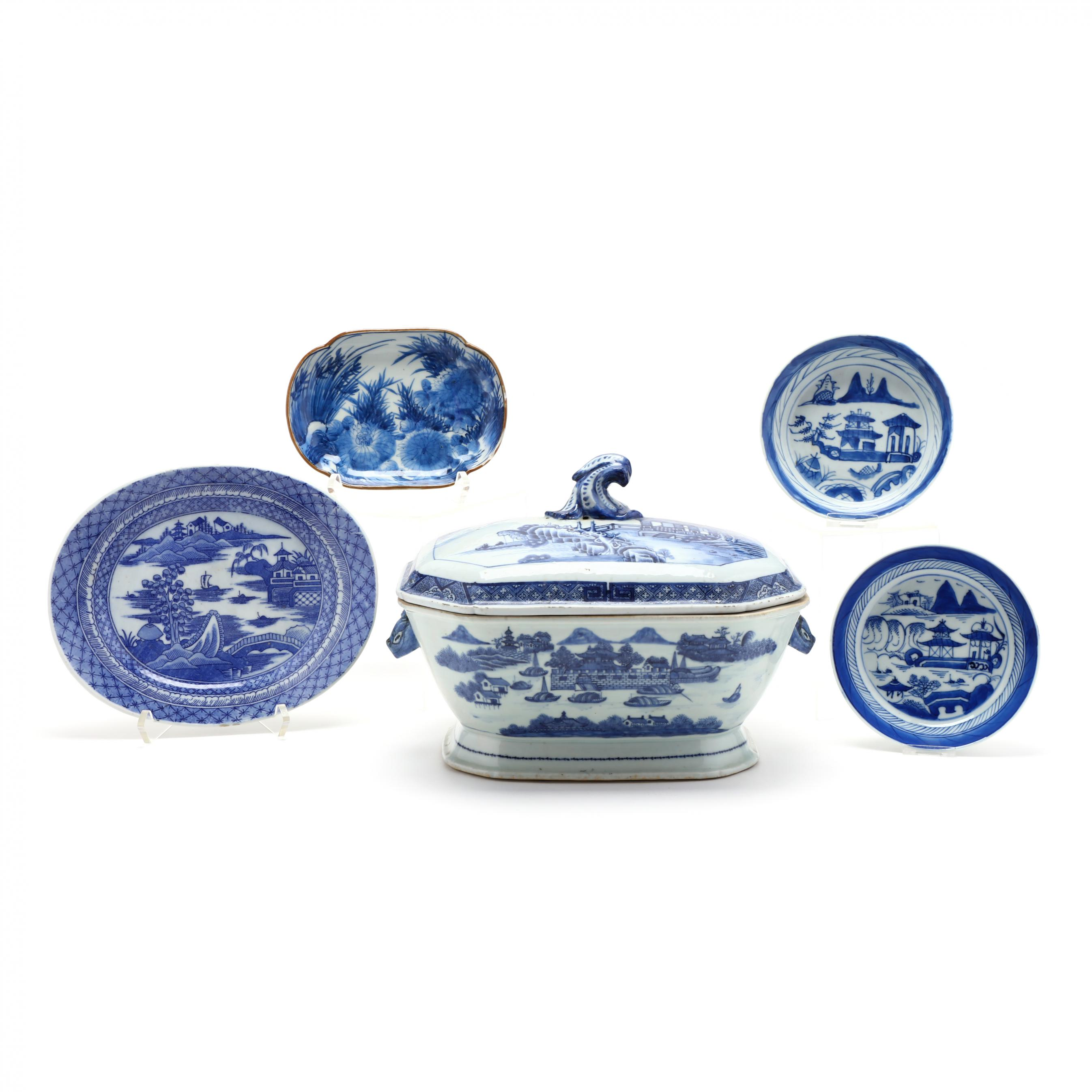 five-pieces-of-chinese-blue-and-white-porcelain