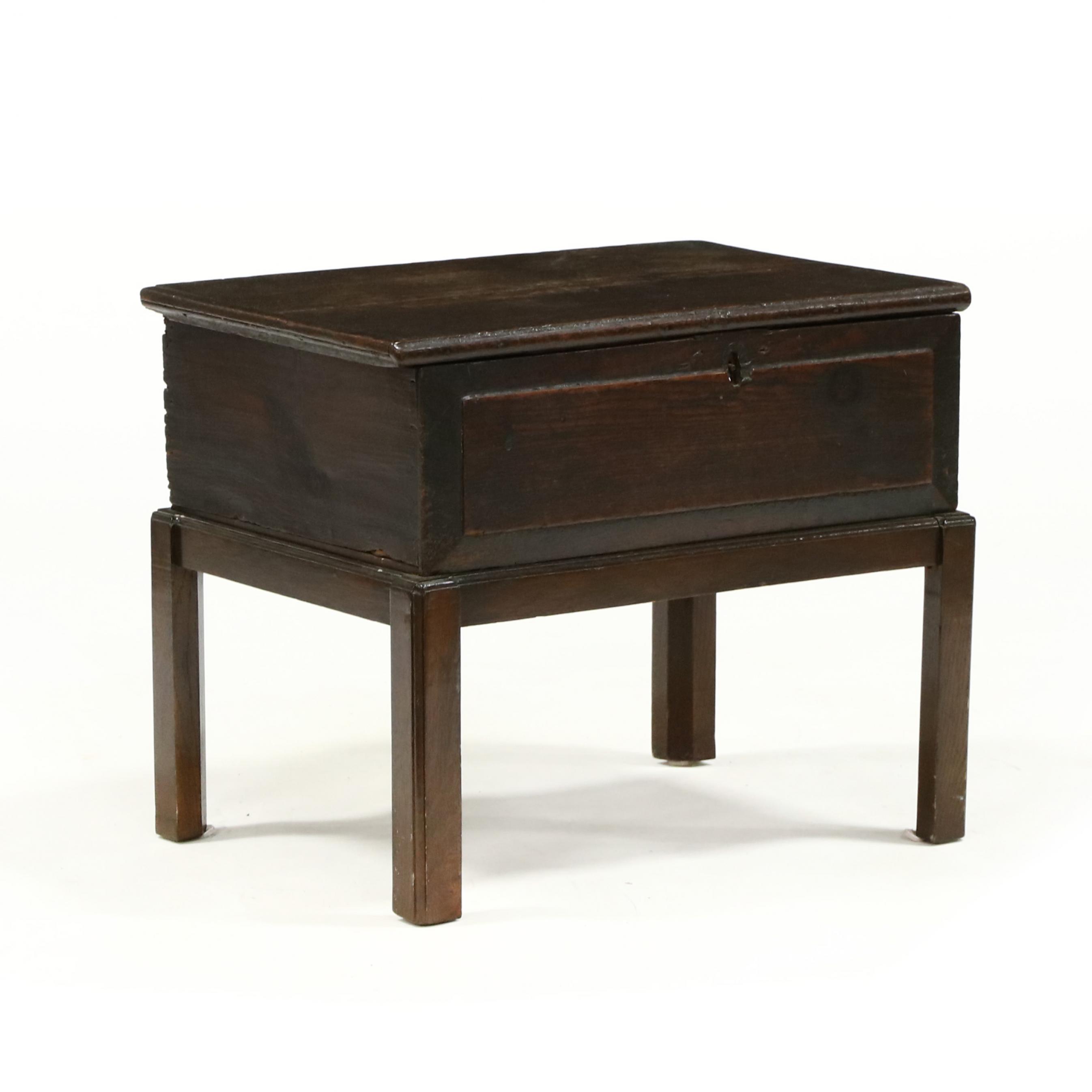 antique-english-oak-bible-box