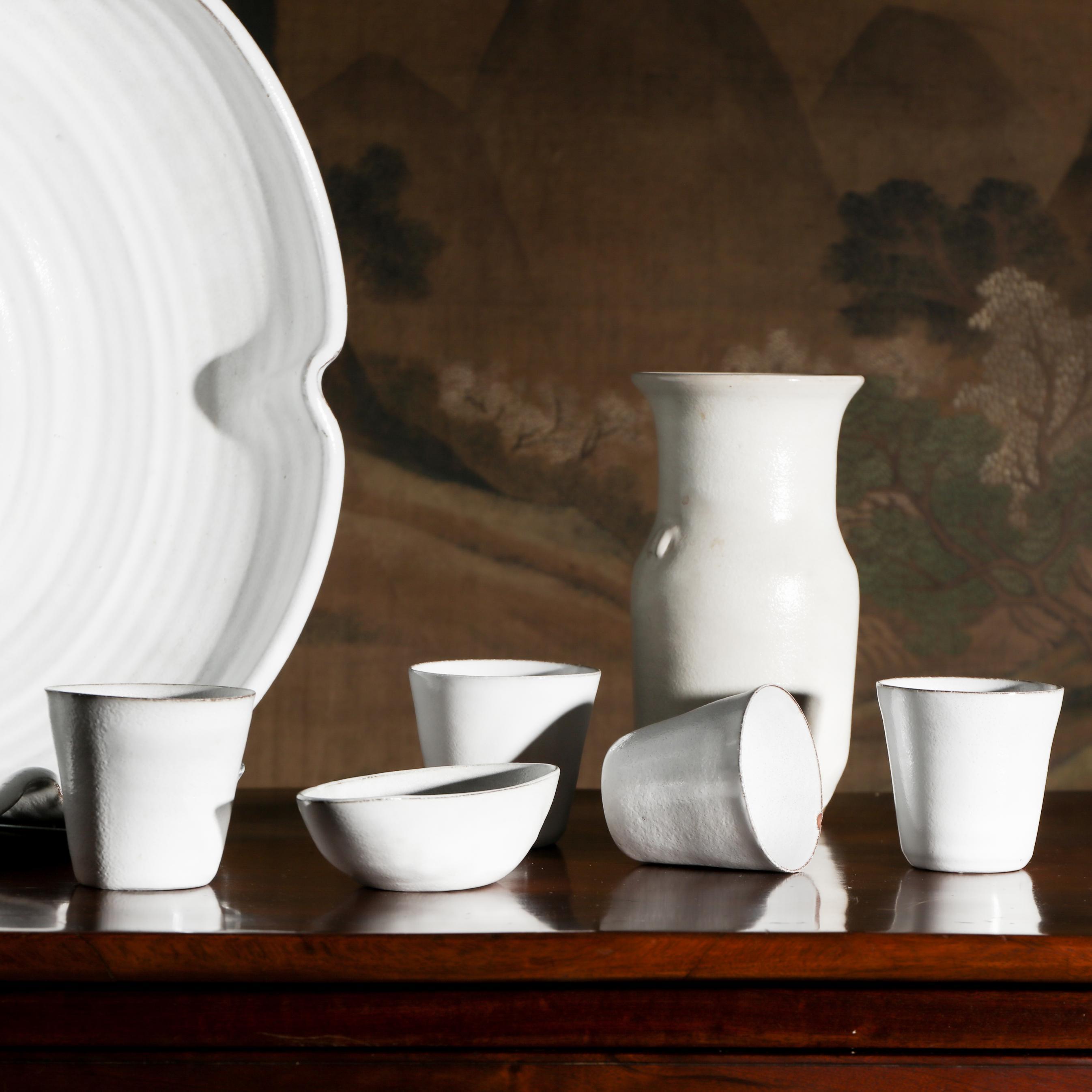 Pottery & Porcelain
