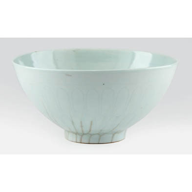 ming-dynasty-celadon-bowl-with-anhua-decoration