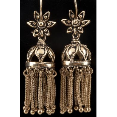 pair-of-victorian-style-gold-tassel-earrings