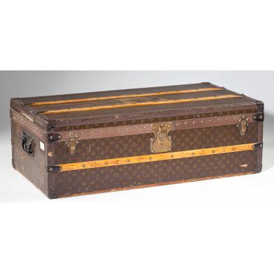 vintage-louis-vuitton-footlocker-trunk
