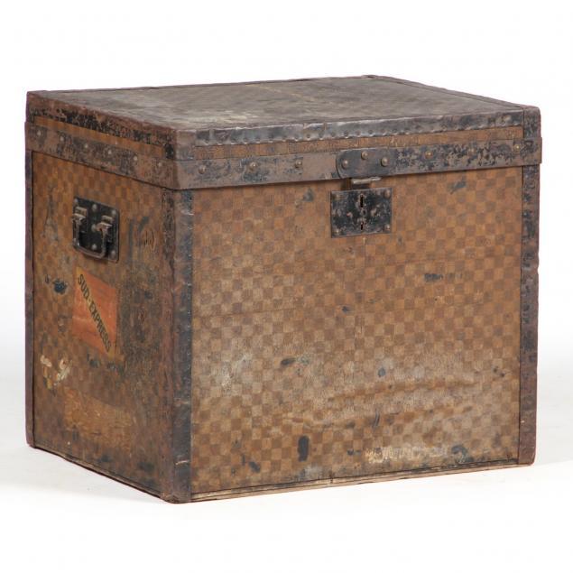 antique-steamer-trunk-louis-vuitton
