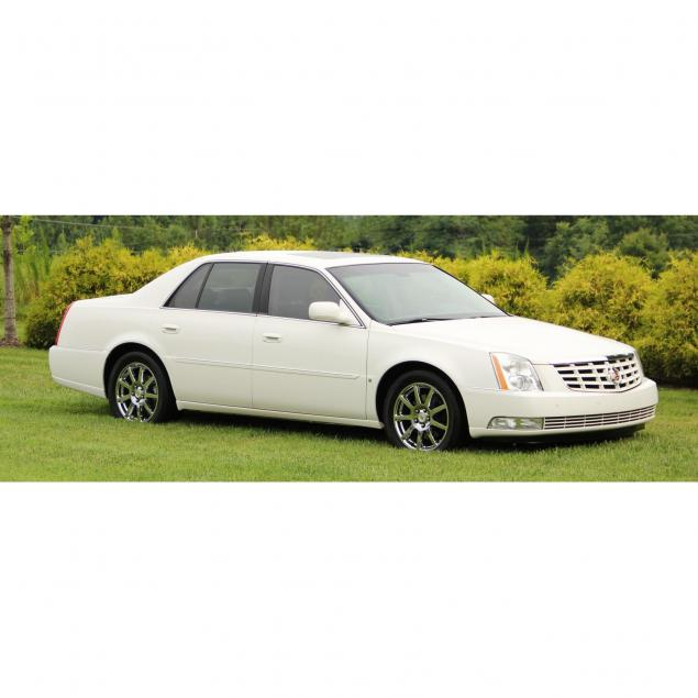 2007-cadillac-dts-performance-sedan