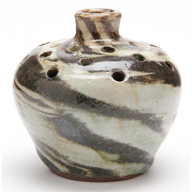 nc-pottery-swirl-flower-frog-vase