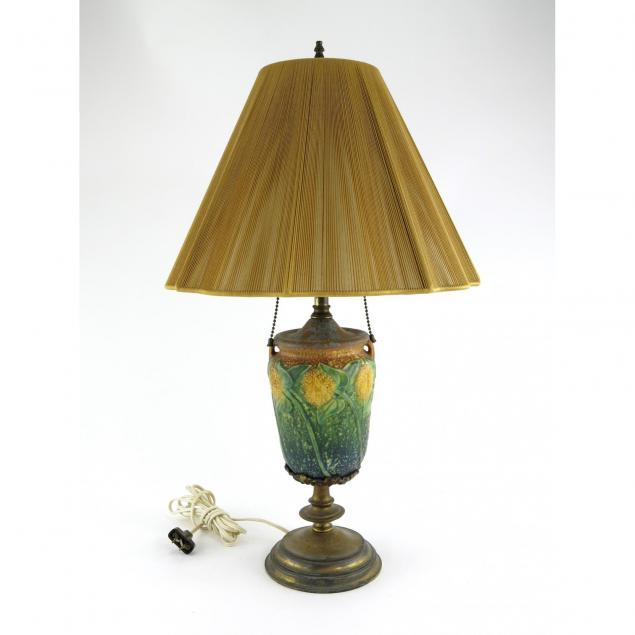 roseville-arts-and-crafts-sunflower-lamp