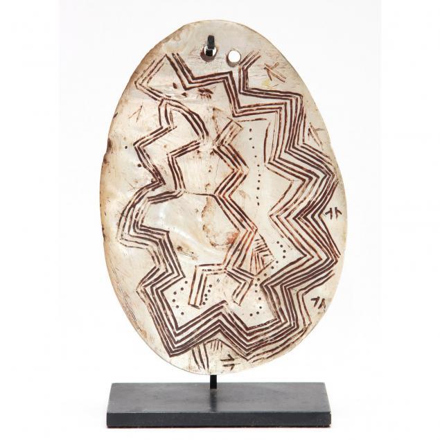 australian-aborigine-pectoral-carving-on-a-marine-shell