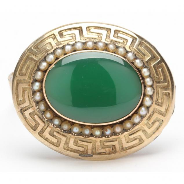 victorian-gold-brooch-with-hardstone