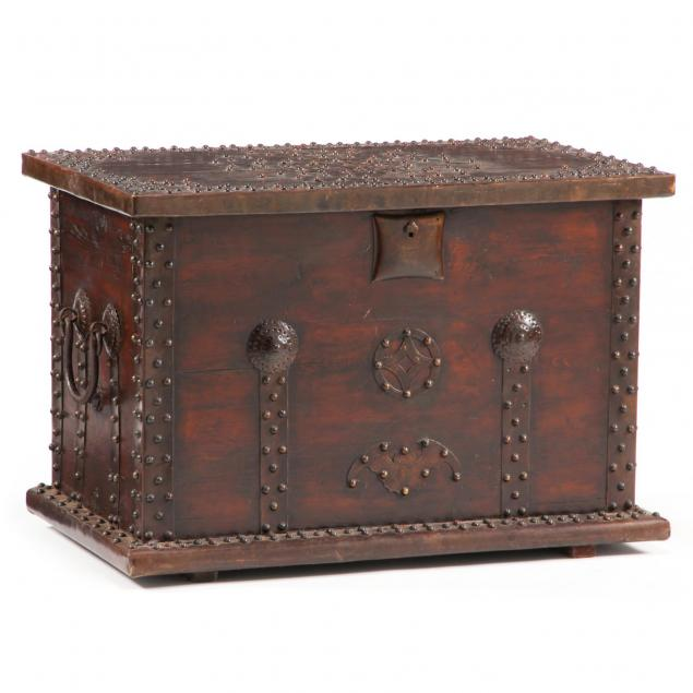 chinese-brass-decorated-chest