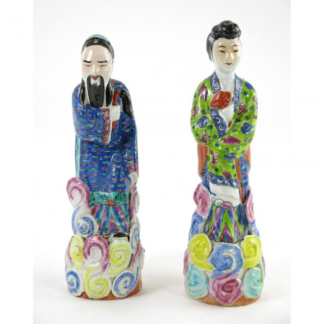 two-chinese-porcelain-figures