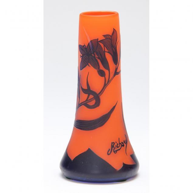 richard-cameo-glass-vase