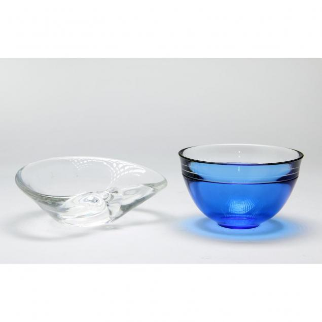 two-pieces-of-signed-art-glass