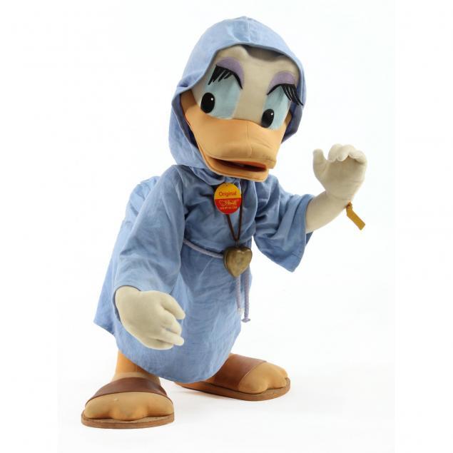 steiff-studio-size-daisy-duck