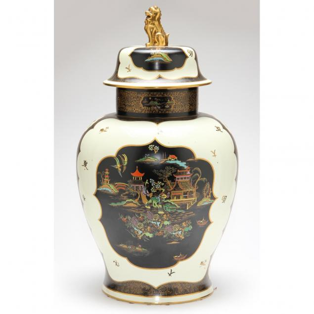 large-english-chinoiserie-pottery-jar-cover