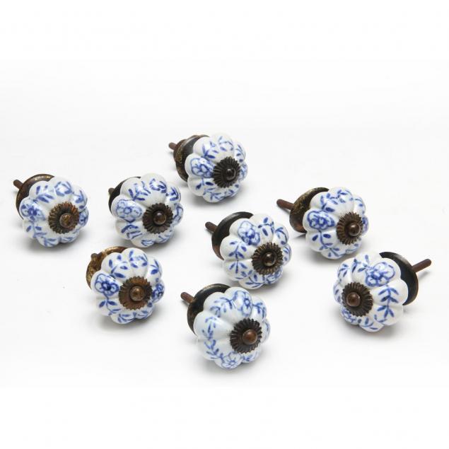 set-of-eight-delft-style-knobs