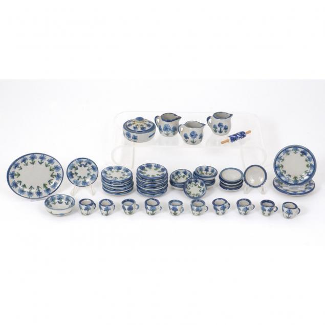 rare-louisville-stoneware-doll-miniature-dinnerware