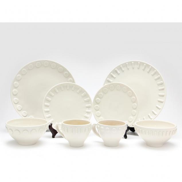 jonathan-adler-early-series-of-tableware