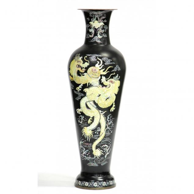 chinese-palace-sized-vase-with-mother-of-pearl-decoration