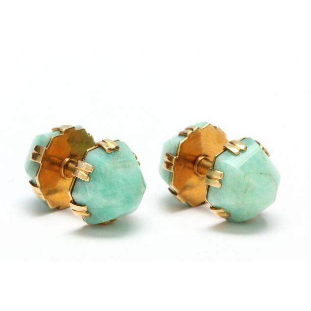 pair-of-18kt-gold-and-green-stone-cufflinks