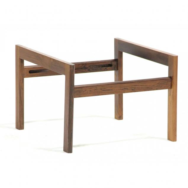 danish-modern-rosewood-stand