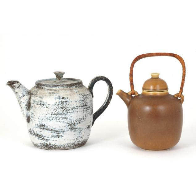 two-modernist-pottery-teapots