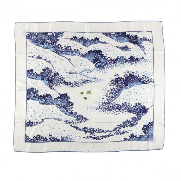 silk-scarf-trois-feuilles-hermes