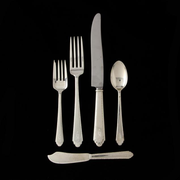 lunt-william-mary-sterling-silver-flatware-service
