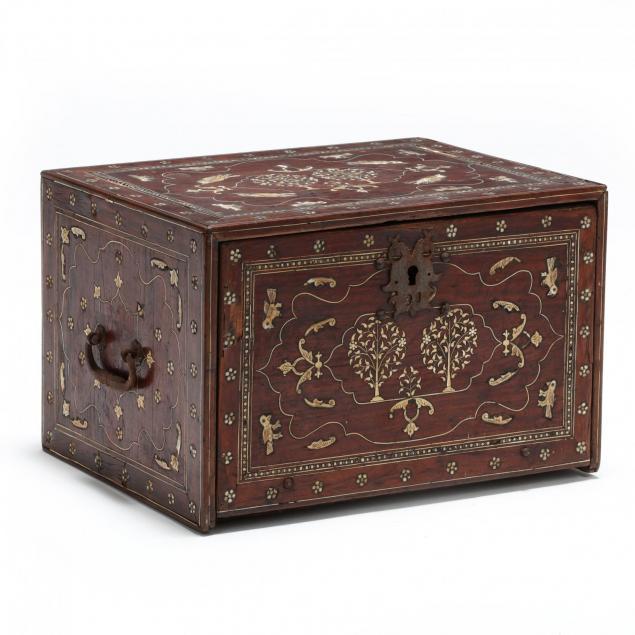 indo-portuguese-scribe-s-casket
