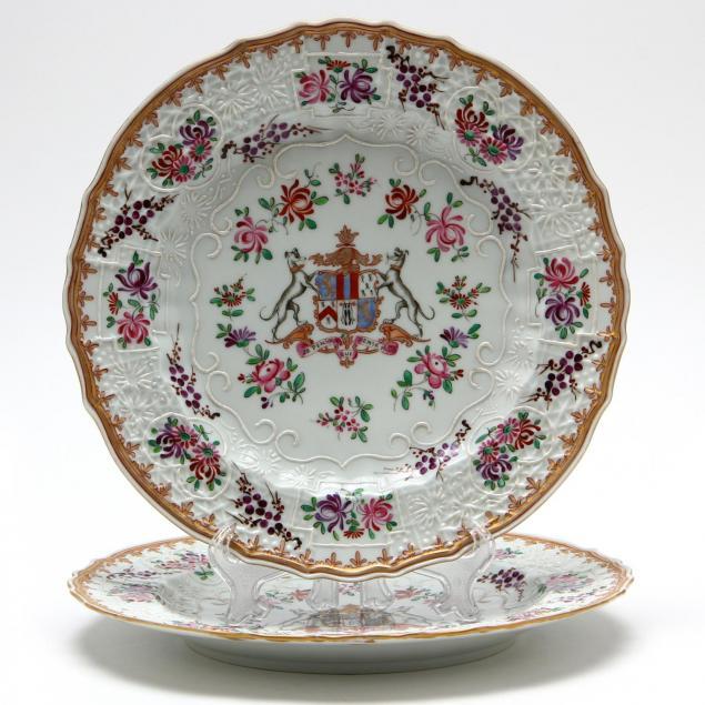 pair-of-samson-porcelain-armorial-plates