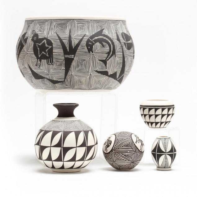 five-acoma-pottery-objects