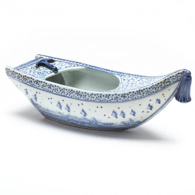 chinese-porcelain-boat