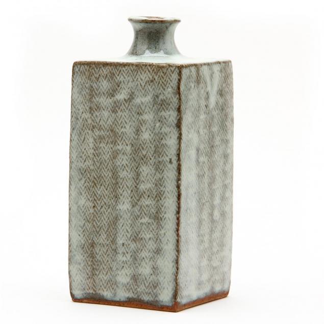 shibui-ware-pottery-bottle-vase