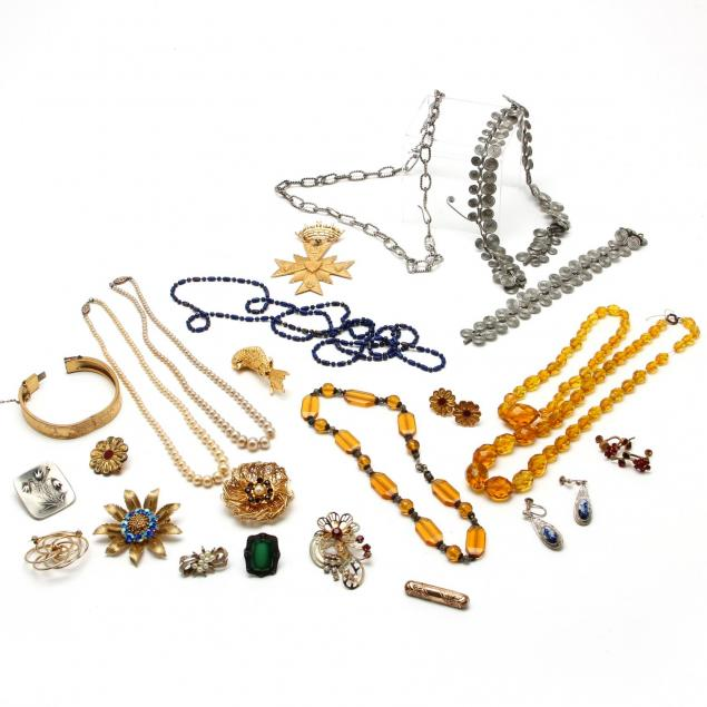 costume-jewelry-lot