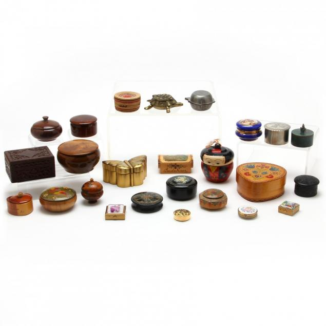 group-of-vintage-boxes