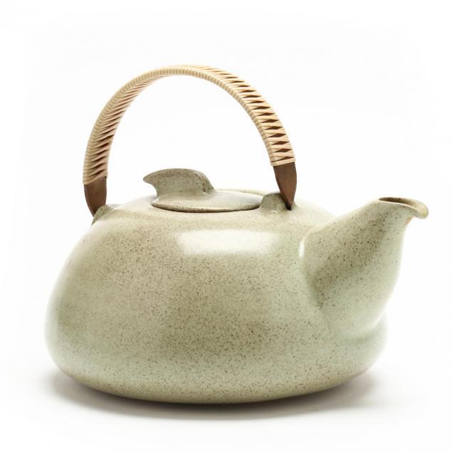 heath-ceramics-moonstone-teapot