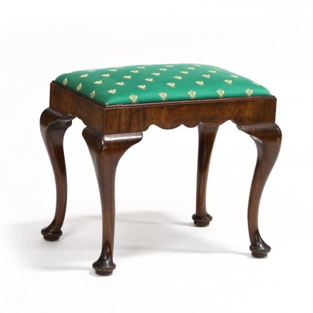 queen-anne-style-stool
