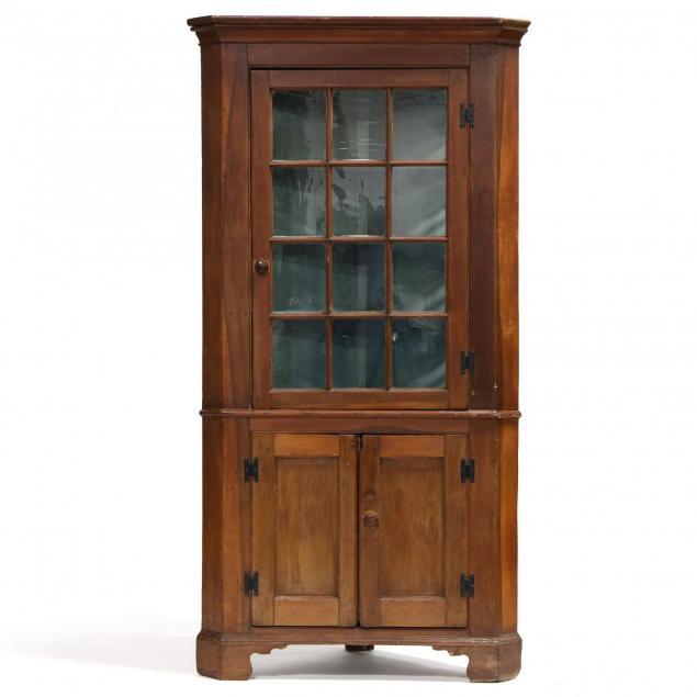 chippendale-corner-cupboard