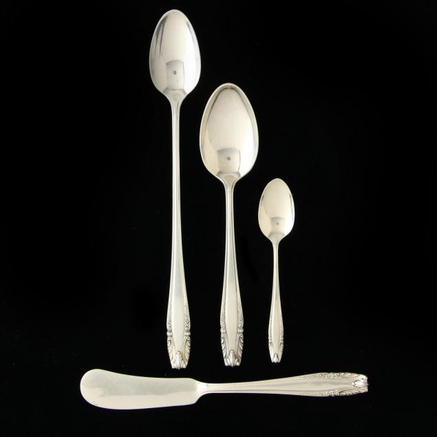 38-pieces-of-wallace-stradivari-sterling-silver-flatware